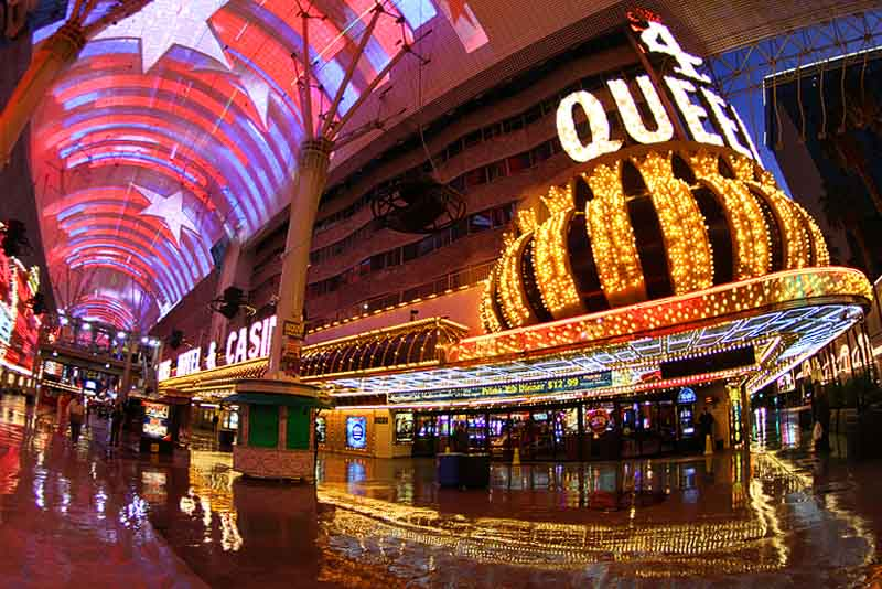 10 Things We Love About Four Queens Casino