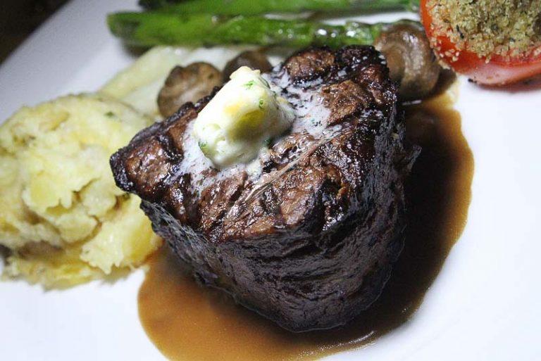 Hugo's Cellar steak