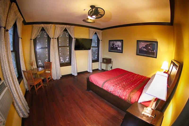 Hotel Apache at Binion's